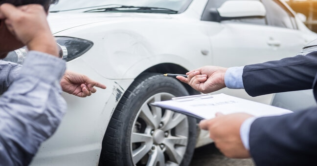 How a Lawyer Can Help With a Car Insurance Claim
